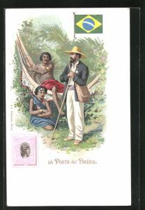 AK Bresil, La Poste, Briefträger bei zwei Frauen mit Kind, Briefmarke und Flagge