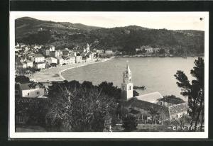 AK Cavtat, Teilansicht von Anhöhe aus auf Häuser, Kirche, Bucht und Umgebung