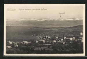 AK Malinska, Poyled prama yorskom kotaru, Blick auf Ort an Küste und Gebirgspanorama