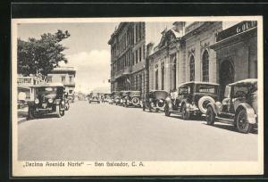 AK San Salvador, Decima Avenida Norte, Strassenpartie mit Automobilen