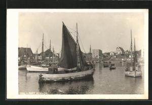 AK Hela, Port Rybacki, Fischkutter im Hafen