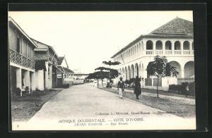 AK Grand Bassam, Rue Bouet, Strassenpartie