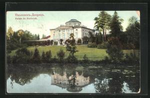 AK Palais de Pavlovsk, Gesamtansicht vom Wasser aus