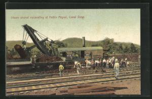 AK Pedro Miguel, Steam shovel excavating at the Canal Zone
