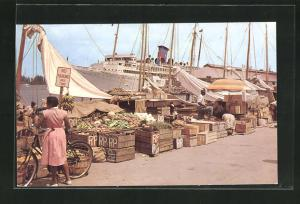 AK Nassau /Bahamas, Water front market showing cruise ship at anchor in the background