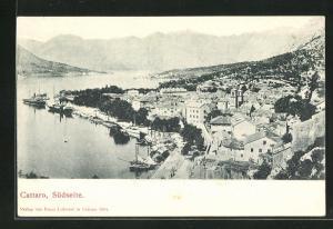 AK Kotor / Cattaro, Ortsansicht Südseite, Häuser, Schiffe und Berge