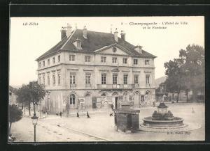 AK Champagnole, L` Hotel de Ville et la Fontaine