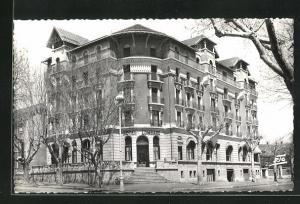 AK Gap, Le Grand Hotel Lombard