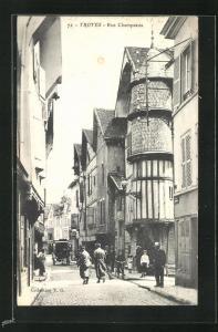 AK Troyes, Rue Champeaux, Strassenpartie