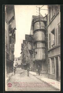 AK Troyes, La Rue Champeaux, Strassenpartie