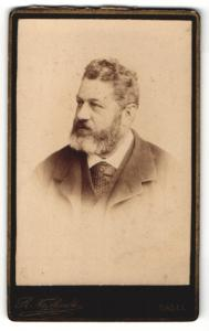 Fotografie R. Neithardt, Basel, Portrait älterer Herr mit Bart