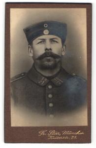 Fotografie Fr. Stier, München, Portrait Soldat mit Bart in Uniform