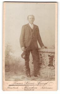 Fotografie Franz Xaver Spiegl, Miesbach, München, Schliersee, Portrait bürgerlicher Herr in zeitgenössischer Kleidung