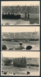 3 Fotografien Ansicht Leipzig, NVA-Militärparade im Leipziger Zentralstadion, Fahnenträger, Orchester, Soldaten