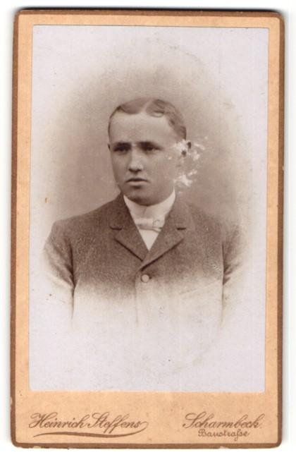 Fotografie Heinrich Steffens, Scharmbeck, Junge im Jacket mit weisser Fliege 0