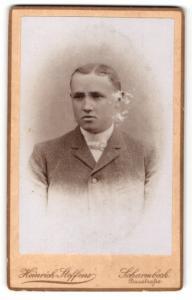 Fotografie Heinrich Steffens, Scharmbeck, Junge im Jacket mit weisser Fliege