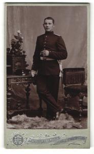Fotografie Atelier Eberwein, Neu-Ulm, Portrait junger Soldat in Uniform