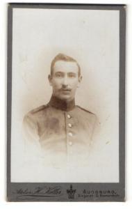 Fotografie H. Keller, Augsburg, Portrait Soldat in Uniform mit Seitenscheitel