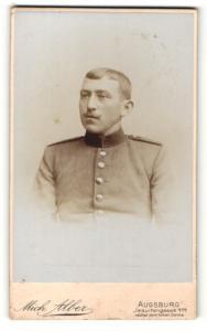 Fotografie Mich. Alber, Augsburg, Portrait Soldat in Uniform