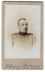 Fotografie G. Bechmann, Augsburg, Portrait Soldat in Uniform