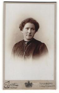 Fotografie Carl Müller, Augsburg, Portrait bürgerliche Dame