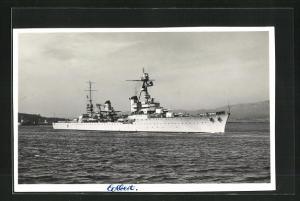 AK Französisches Kriegsschiff Colbert passiert einen Küstenstreifen