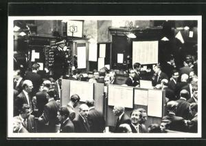 AK London, Stock Exchange: the nation`s market place, on the trading floor of the House