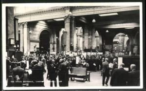 AK London, Stock Exchange: the nation`s market place, Scene on the floor of the House