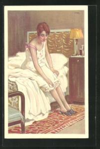 Künstler-AK Leopoldo Metlicovitz: Junge Frau sitzt im Nachtkleid auf der Kante ihres Bettes