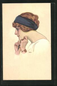 Künstler-AK Leopoldo Metlicovitz: Junge Dame mit blauem Tuch im Haar stützt nachdenklich ihren Kopf in die Hände