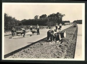 AK Strassenbau, Vom Bau der Reichsautobahnen, Bankette werden asphaltiert