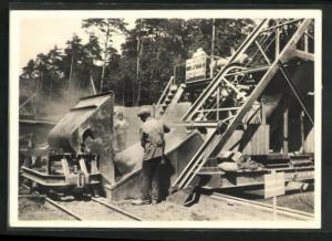 AK Strassenbau, Vom Bau der Reichsautobahnen, der Beton für die Fahrbahn wird angefahren