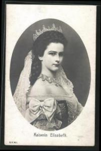 AK Kaiserin Elisabeth (Sissi) von Österreich in Prachtrobe mit Krone