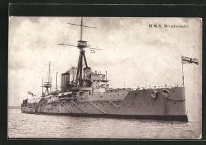 AK Kriegsschiff H.M.S. Dreadnougt auf hoher See