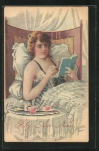Künstler-AK sign. W.G. Howie: Frau im Nachthemd im Bett liegend und eine Buch lesend