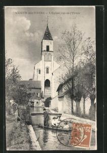 AK Mehun-sur-Yèvre, L`Eglise vue de l`Yèvre