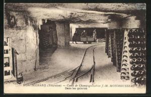 AK Montrichard, Caves de Champagnisation J.M. Monmousseau, Dans les galeries