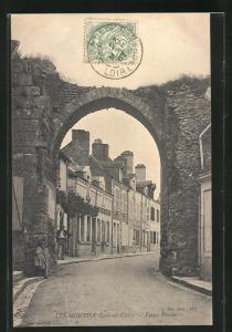 AK Les Montils, Vieux Porche, Altes Stadttor