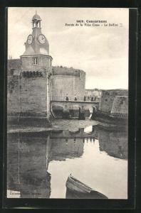 AK Concarneau, Entrée de la Ville Close, Le Beffroi, Glockenturm