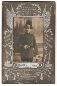 Fotografie H. Ranzenberger, Mainz, Portrait Soldat von Garde-Regiment 3 Mainz mit Pickelhaube