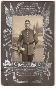 Fotografie H. Ranzenberger, Mainz, Portrait Soldat mit Hessen-Koppelschloss, Regiment 117 Mainz