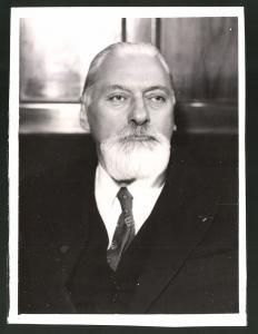 Fotografie Portrait Claude Farrere, Schriftsteller zu Besuch beim Kulturbund in Wien 1935