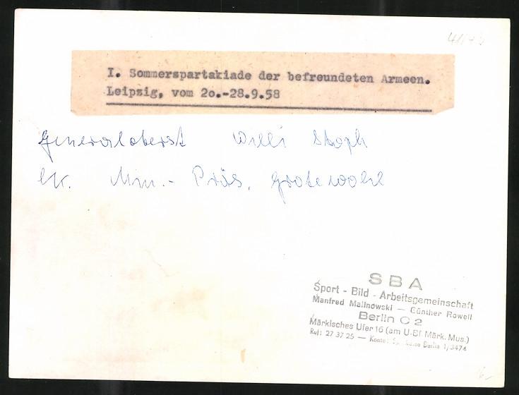Fotografie I. Sommerspartakiade 1958, Leipzig, Generaloberst Willi Stoph während einer Rede 1