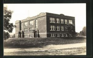 AK Arcadia, WI, View of High School