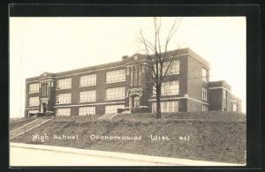 AK Oconomowoc, WI, View of High School