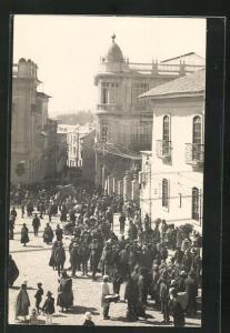 AK La Paz, Menschenmenge auf einem Platz