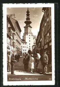 AK Bratislava, Michalská, Strassenpartie mit Uhrturm