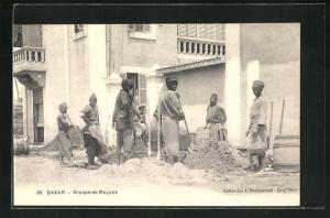 AK Dakar, Groupe de Macons, Anwohner graben ein Loch