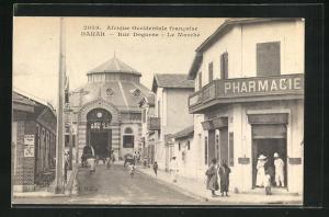 AK Dakar, Rue Dagorne, Le Marche, Strassenpartie mit Pharmacie