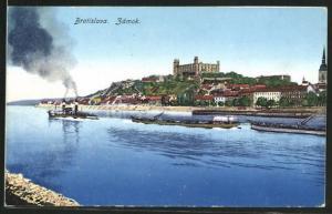 AK Bratislava, Zamok, Gesamtansicht mit Schloss vom Flussufer gesehen